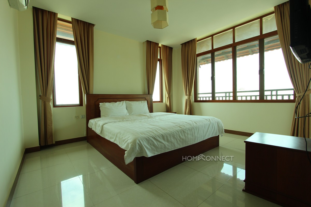 Large modern serviced apartment in Toul Kork