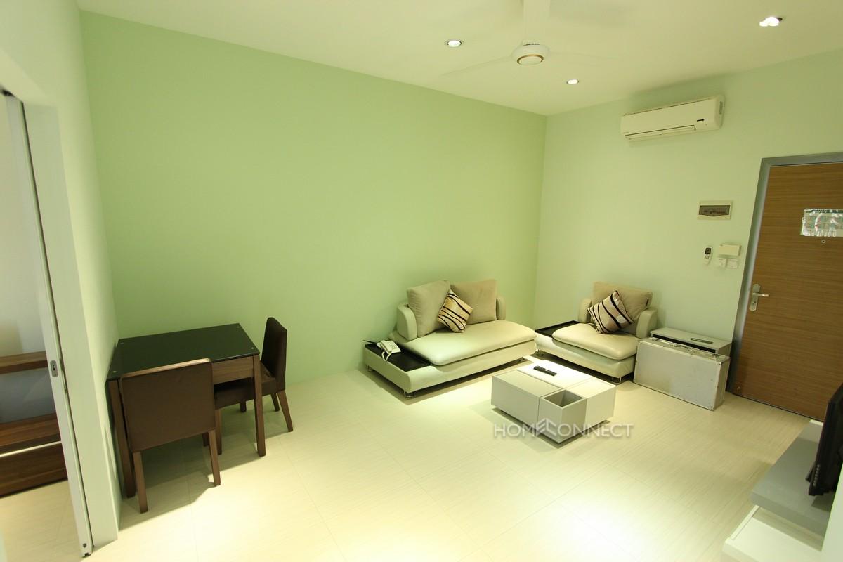 Modern Central 1 Bedroom Apartment in Daun Penh