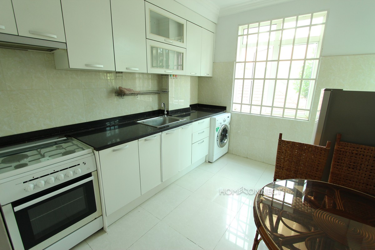 Spacious 2 bedroom apartment near Russian Market