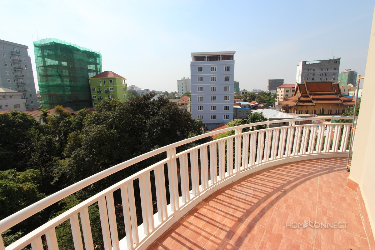 Spacious 2 Bedroom Apartment for Rent in Tonle Bassac | Phnom Penh