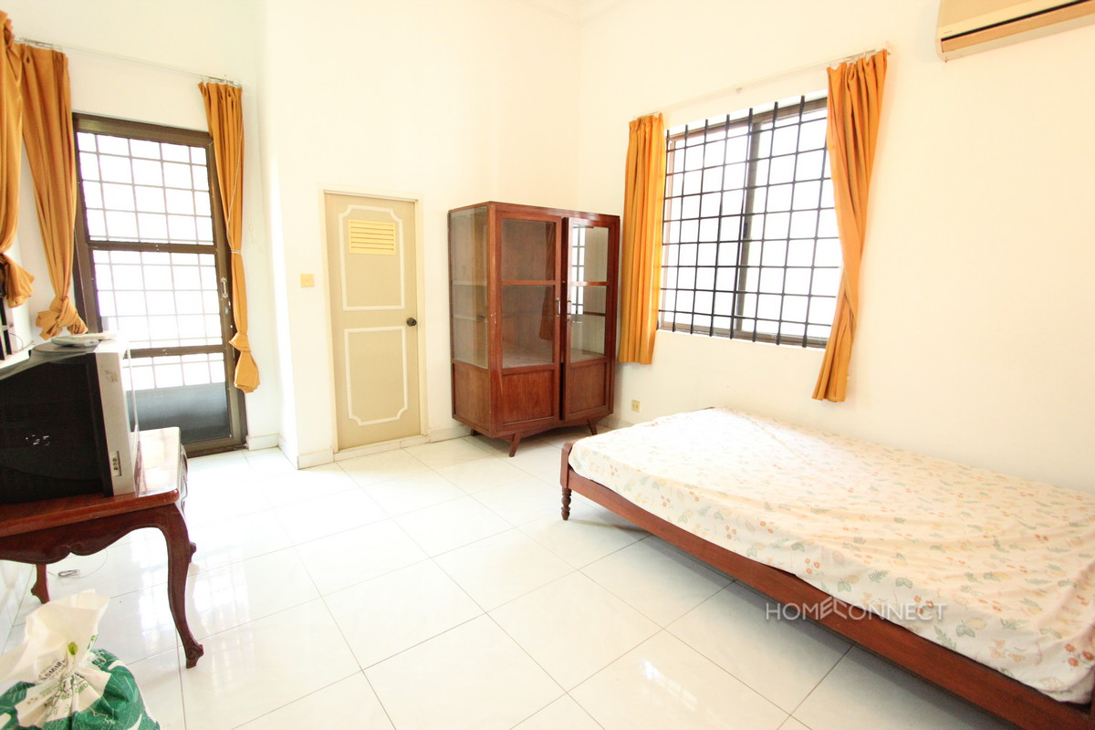 Lovely 3 Bedroom Apartment in the Heart of BKK1 | Phnom Penh