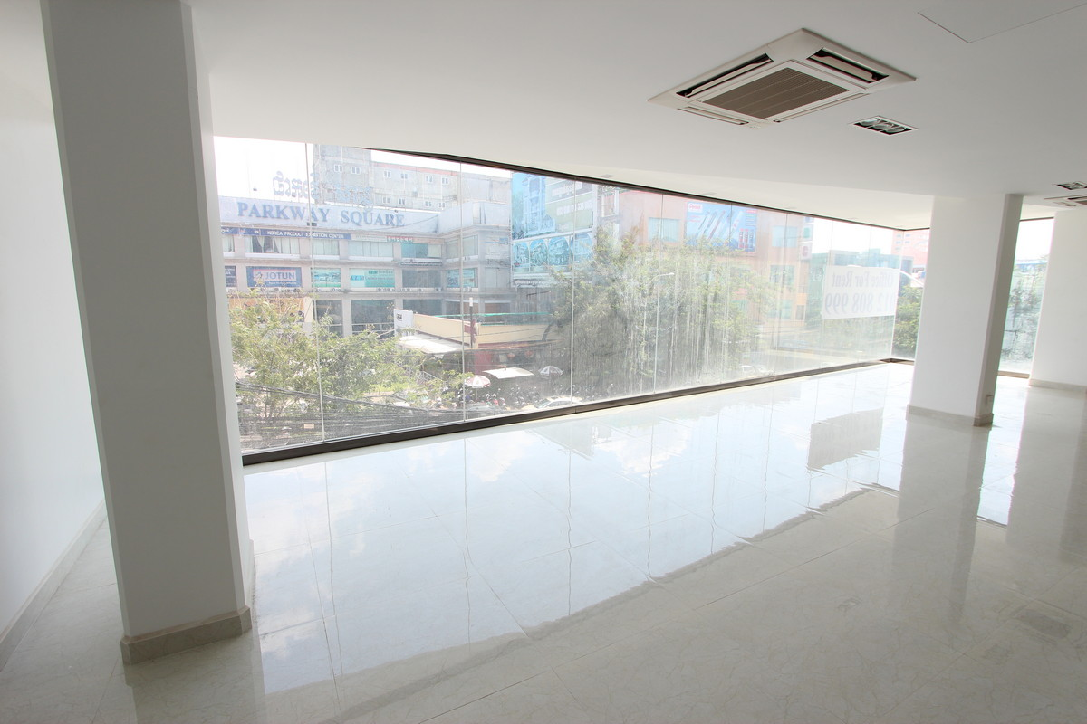 Large Office Space On A Major Boulevard Near Russian Market   Phnom Penh
