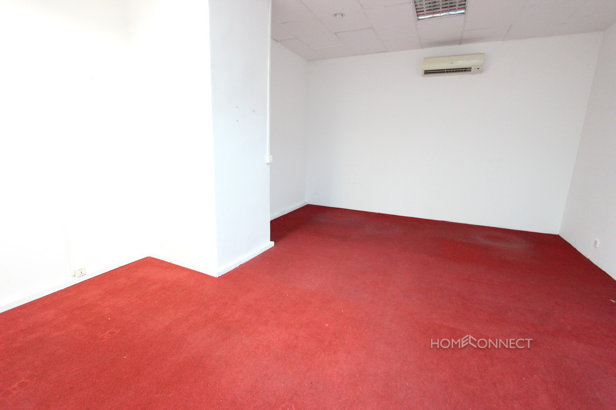 Office Space in a Large Complex Near the Russian Market   Phnom Penh