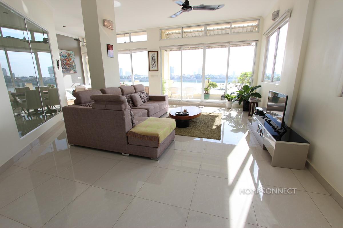 Luxury 2 Bedroom Apartment on Riverside   Phnom Penh