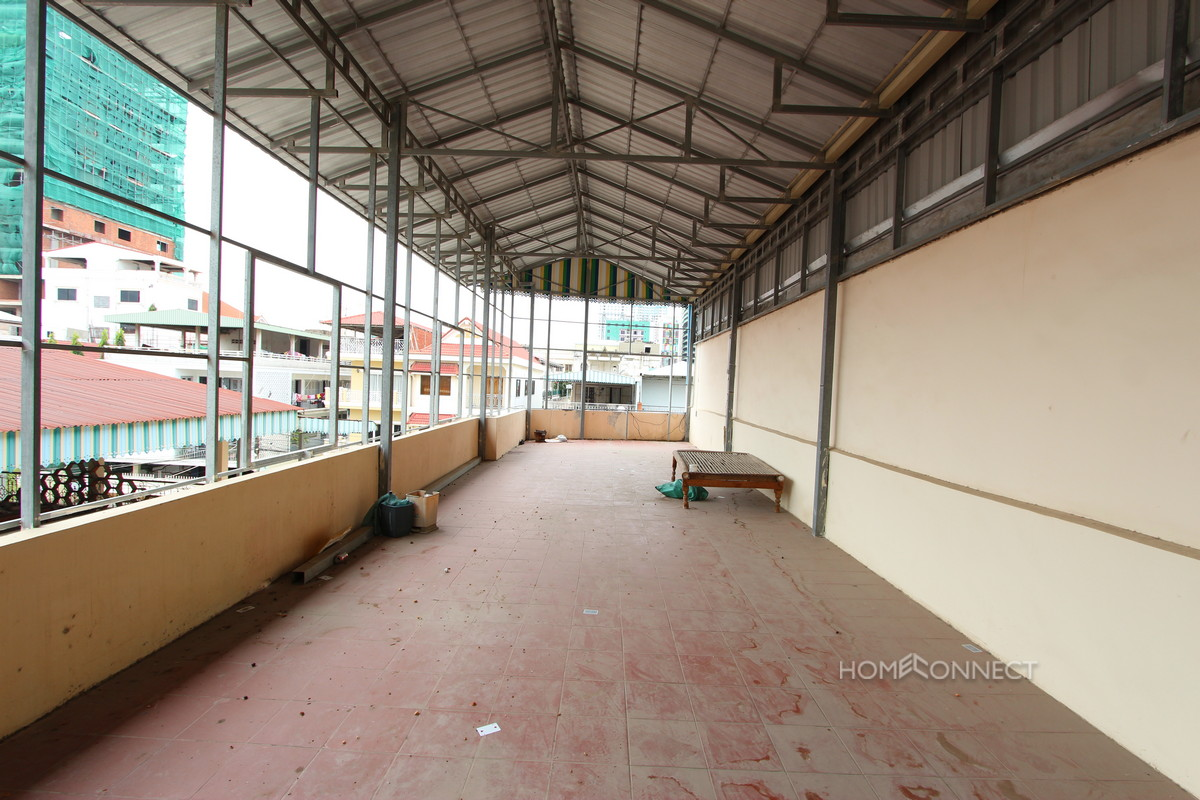 Large Townhouse for Rent Near the Central Market | Phnom Penh Real Estate