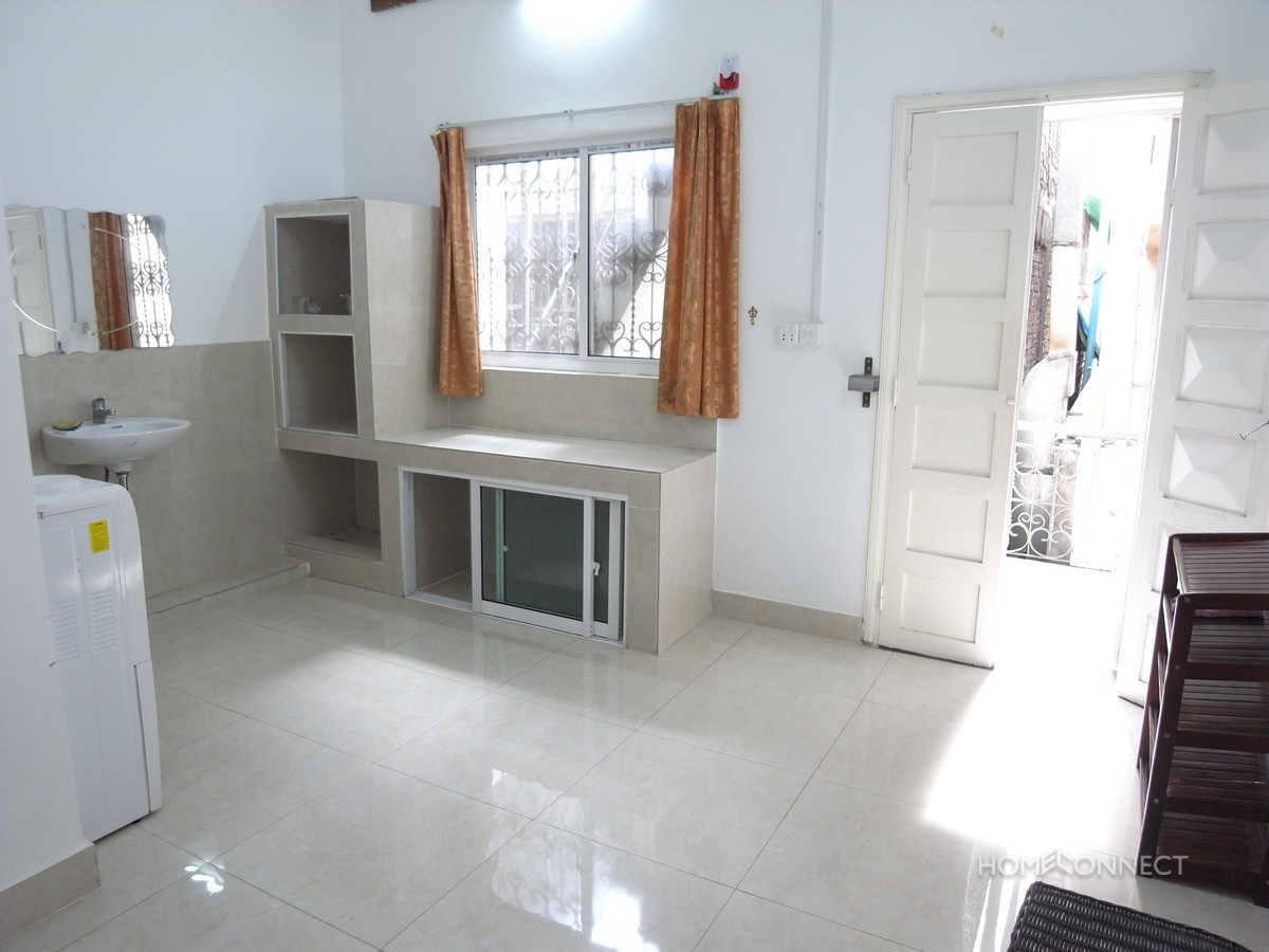 Bright And Tidy 1 Bedroom Apartment For Rent In BKK1 | Phnom Penh Real Estate
