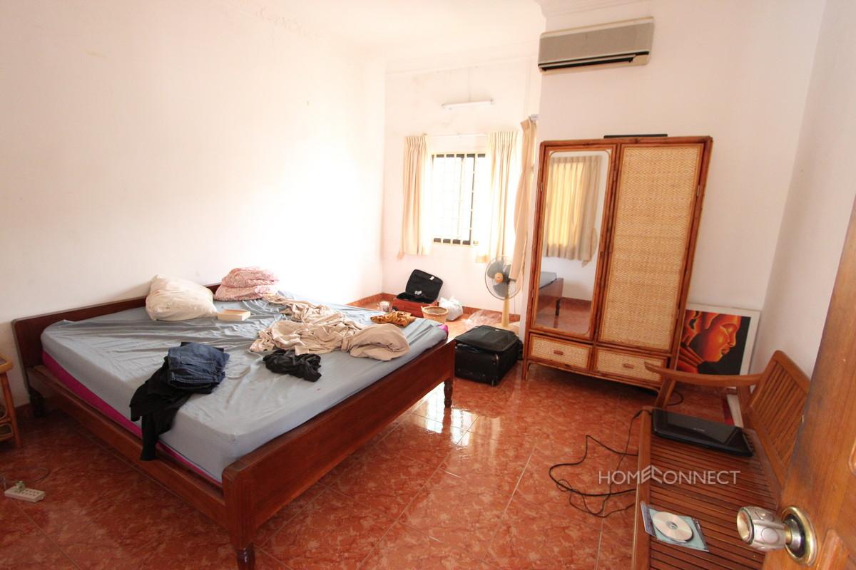 Spacious Apartment Near the Royal Palace | Phnom Penh Real Estate