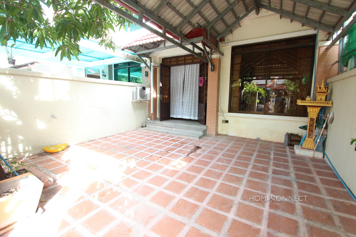 Secure 3 Bedroom Townhouse in Chroy Chongva | Phnom Penh Real Estate