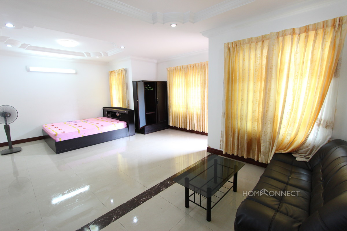 Family Sized 4 Bedroom Townhouse Near Aeon Mall | Phnom Penh Real Estate