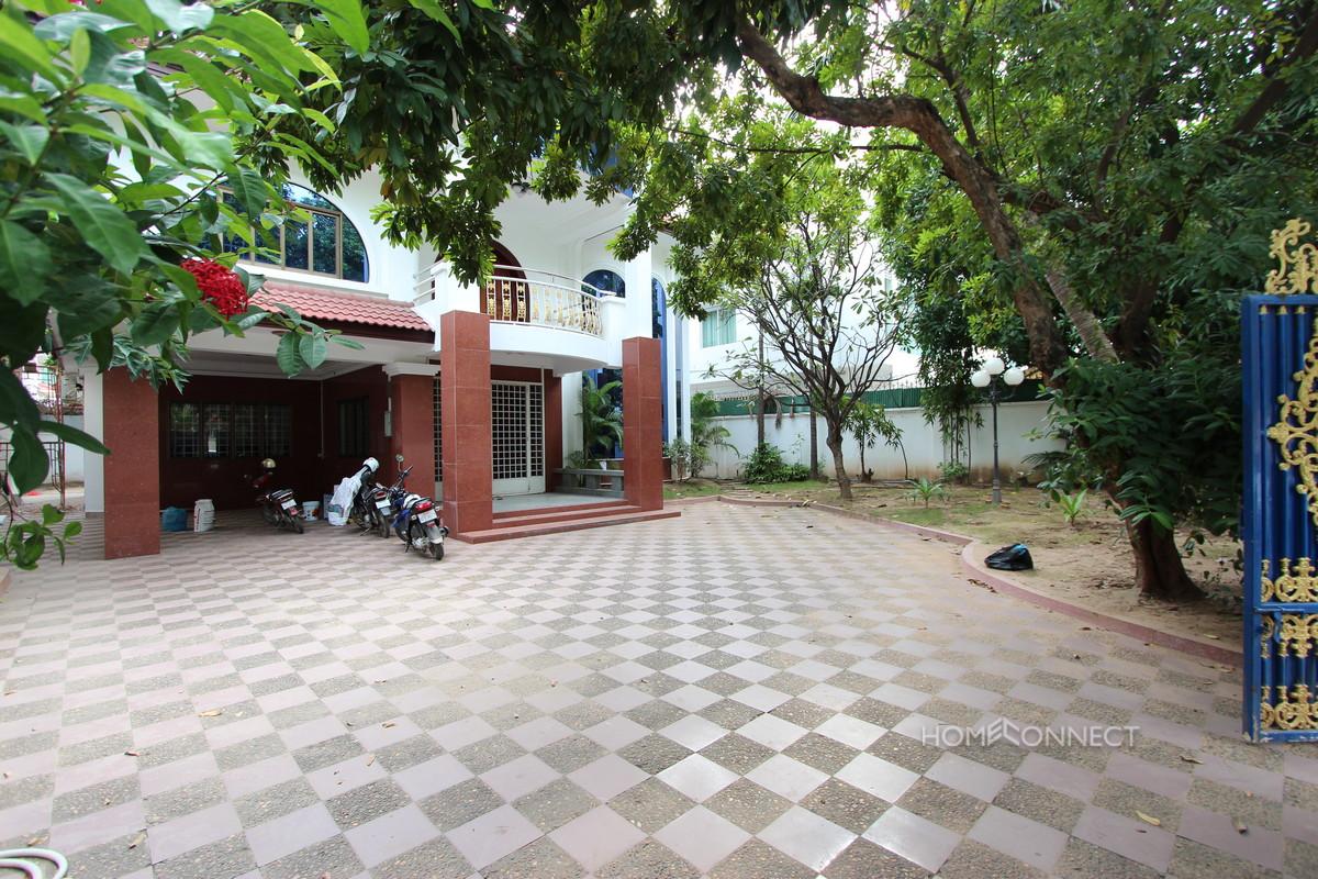 Large Villa for Rent in Central Daun Penh | Phnom Penh Real Estate