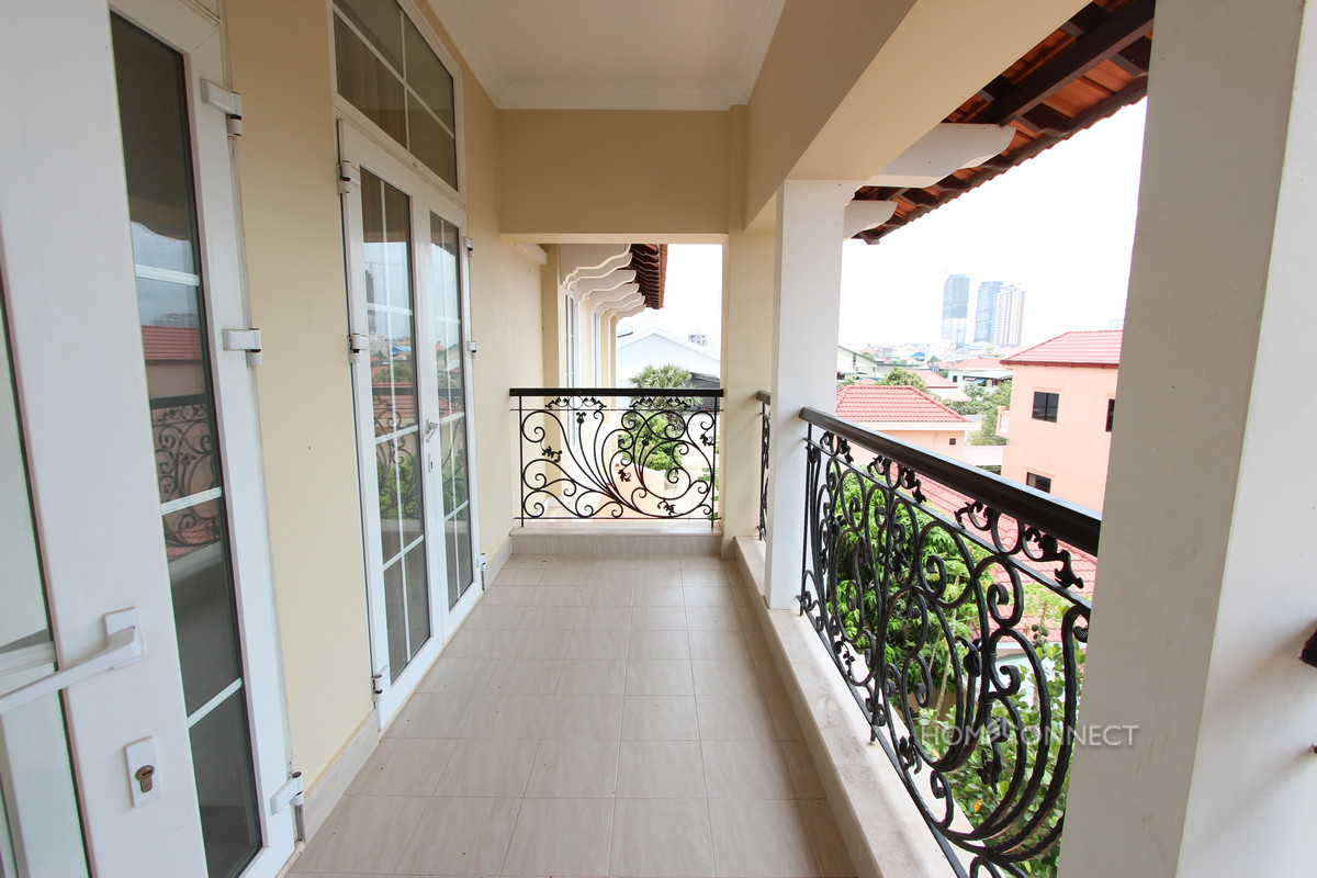 Large Villa With a Garden in Chroy Changva | Phnom Penh Real Estate