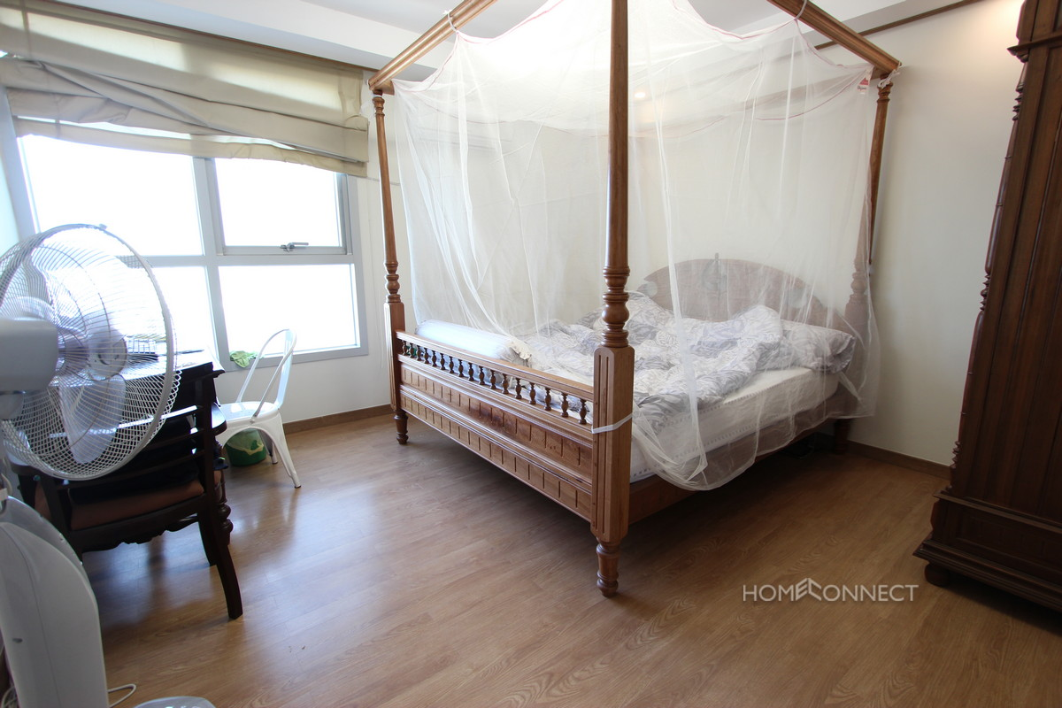 Modern 2 Bedroom Apartment For Sale in De Castle in BKK1 | Phnom Penh Real Estate