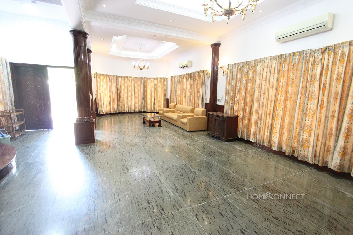 Spacious 5 Bedroom 6 Bathroom Villa Near Central Market | Phnom Penh Real Estate