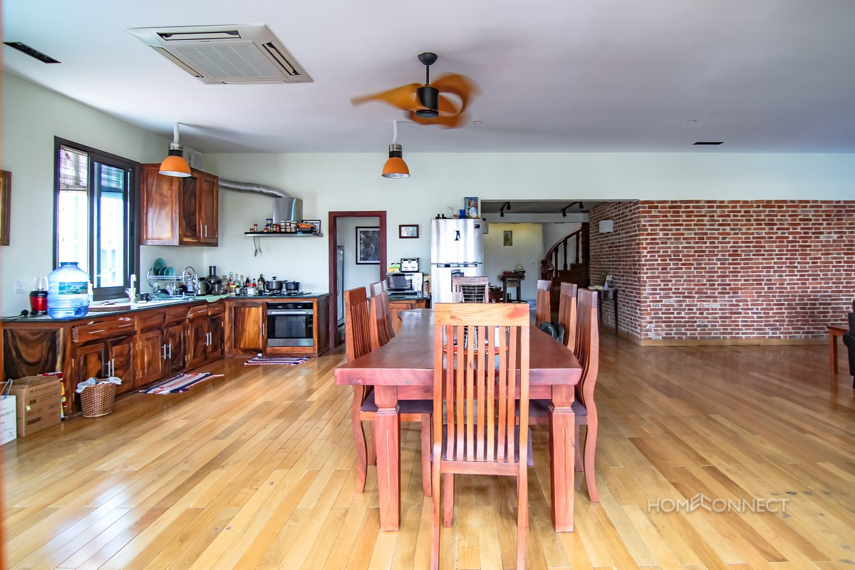 Modern 4 Bedroom Apartment For Sale Close to Riverside | Phnom Penh Real Estate