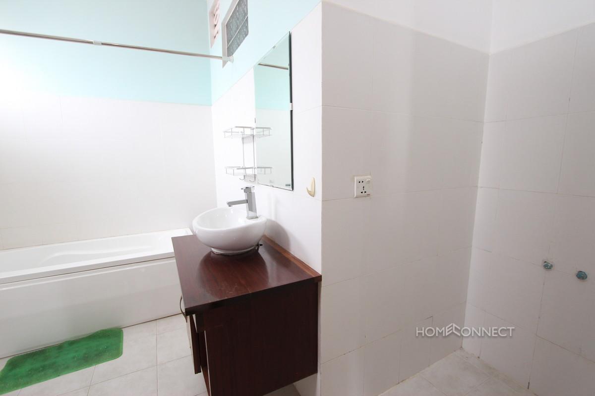 Spacious 2 Bedroom 2 Bathroom Serviced Apartment in Toul Kork   Phnom Penh Real Estate