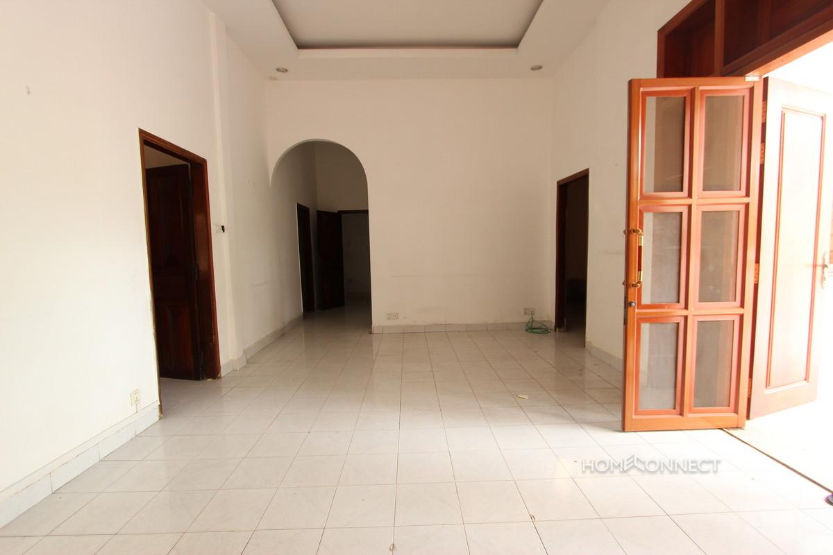 Swimming Pool 3 Bedroom Villa For Rent in BKK1 | Phnom Penh Real Estate